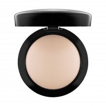M·A·C Cosmetics Mineralize Skinfinish - Natural - Light