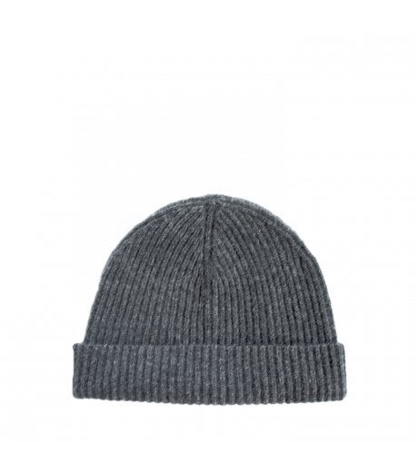 c1d617ac045 6 Different Ways to Wear a Beanie